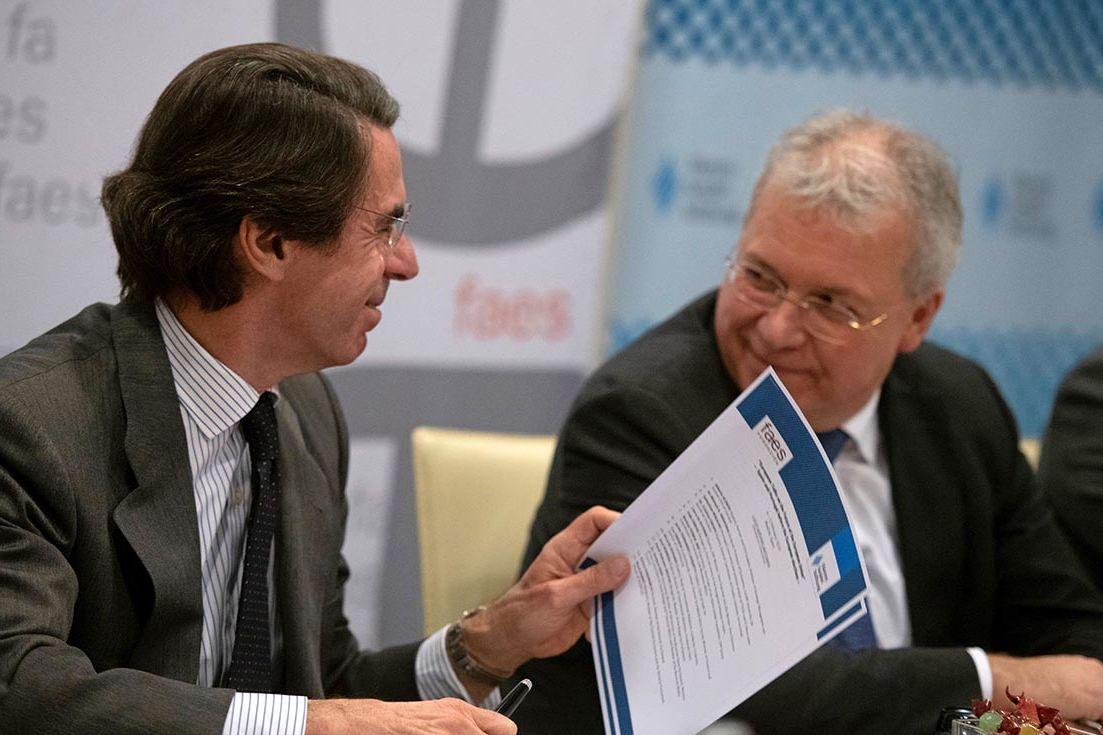 """Jose María Aznar (links): """"Die Radikalisierung schreitet voran, der Raum für Konsens wird enger."""""""