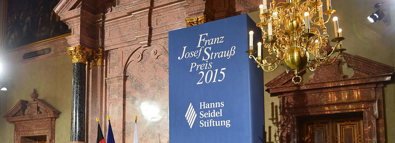 Der Schriftsteller Reiner Kunze wurde 2015 ausgezeichnet.