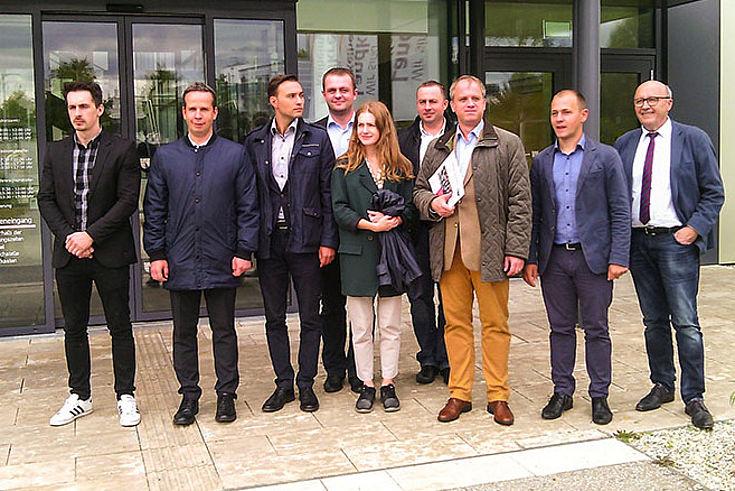 Gespannt warten die rumänischen Besucher auf den Informationsaustausch mit Martin Neumeyer im Landratsamt Kehlheim