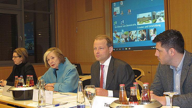 Karin Bruckmüller, Ursula Männle, Wolf Krug, Peter Tinti