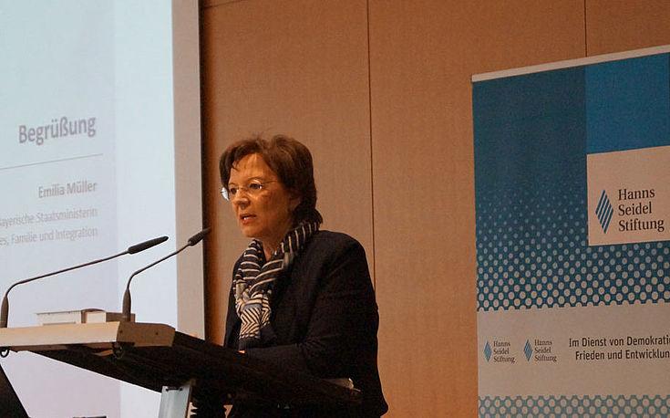"""Bayerische Sozialministerin Emilia Müller, MdL: """"Integration ist eines der großen Zukunftsthemen unserer Zeit."""""""