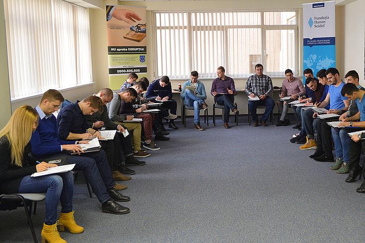 Antikorruptionsseminar, das die HSS zusammen mit lokalen Partnern in Rumänien durchführt