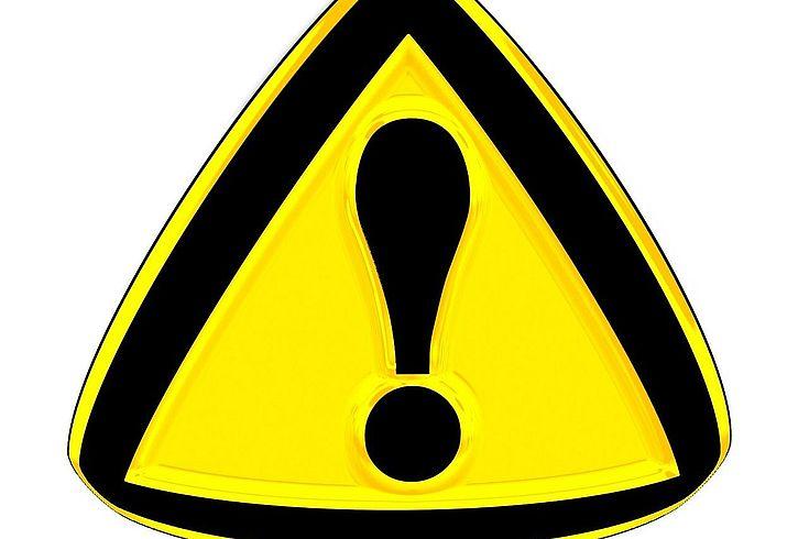 Warnschild schwarzes Ausrufezeichen auf gelben Hintergrund