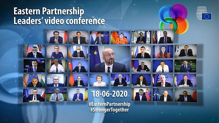 Eine Videokonferenz, lauter kleine Bildschirme