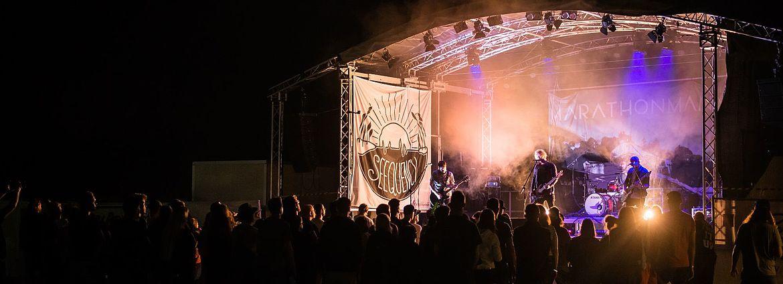 Jedes Jahr traten sieben verschiedene Bands aus dem Raum München auf. So sollten vor allem lokale Künstler gefördert werden.