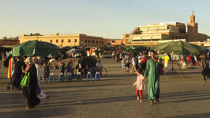 Ein belebter Platz in der marokkanischen Hauptstadt Rabat