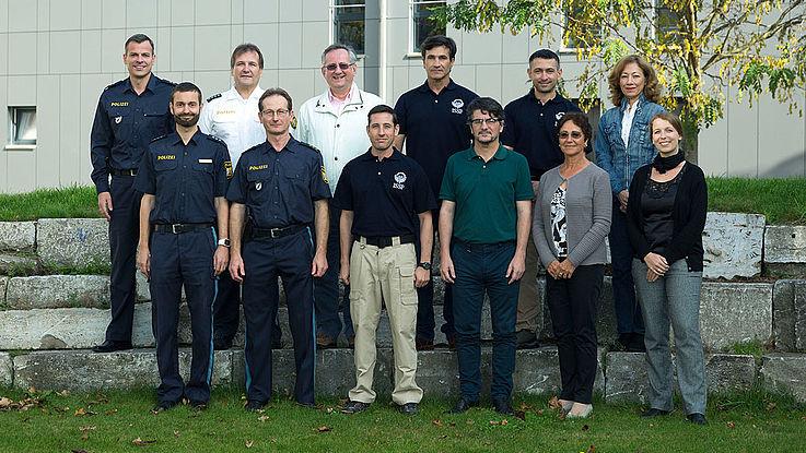 Die argentinische Delegation mit Repräsentanten der III. Abteilung der Bayerischen Bereitschaftspolizei und der Hanns-Seidel-Stiftung in Würzburg