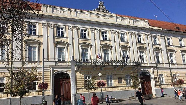 Die Bewältigung der Corona-Pandemie hat jetzt in der Slowakei Vorrang neben der Bekämpfung der Korruption