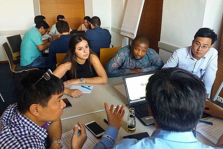 Intensive Workshops und Praxiserfahrung standen für die jungen Führungskräfte eine Woche lang auf dem Programm