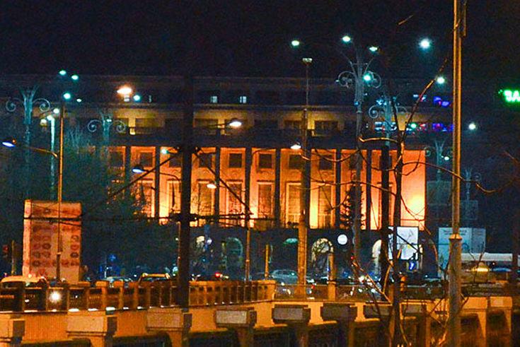 Der Victoria-Palast, Regierungssitz von Rumänien, wird streng abgeschirmt.