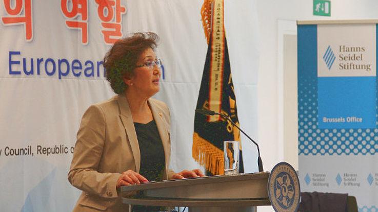 Choi Wol-Ah bei ihrem Vortrag