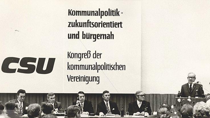 Alfons Goppel auf einem Kongress der KPV April 1972