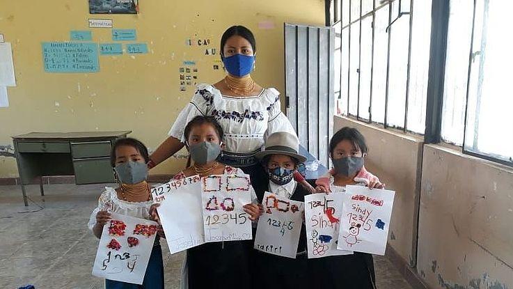 In Ecuador findet zur Zeit kein Präsenzunterricht statt. Mit sozialem Engagement möchten (Ex-)Stipendiaten der HSS den Online-Unterricht der Schüler ergänzen.