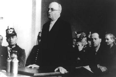 Franz Sperr vor dem Volksgerichtshof im Januar 1945.