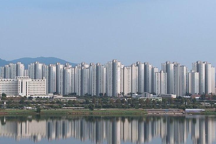 Skyline von Seoul von der See aus fotografiert