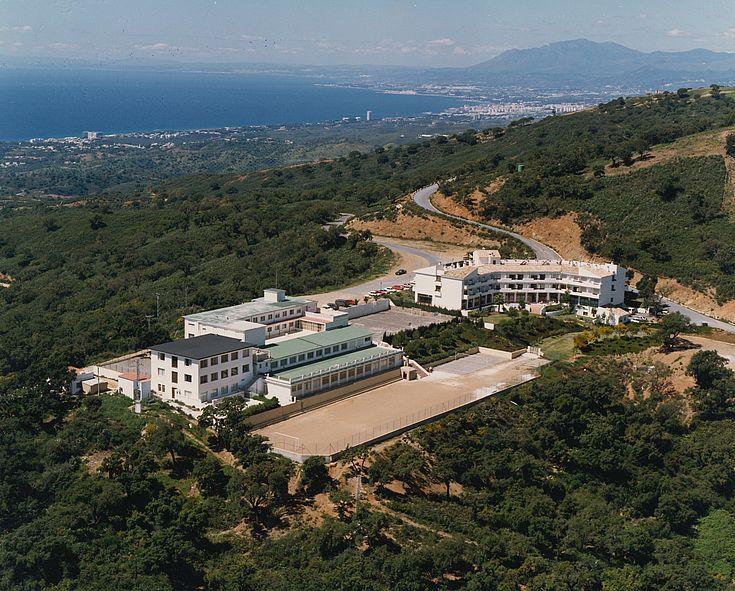 Blick auf das Bildungszentrum Ojén bei Malaga (Spanien)