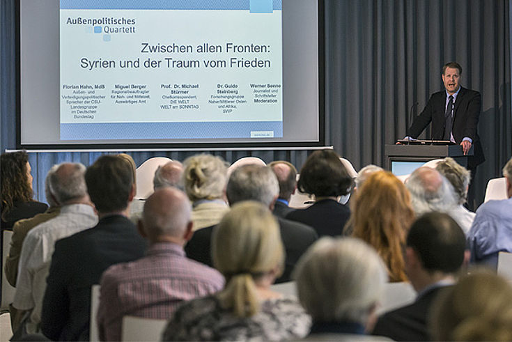 Begrüßung durch Alexander Wolf, Leiter Büro Berlin