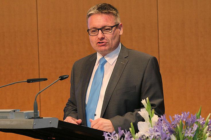 Für Josef Zellmeier, MDL, bedeutet die Reform weniger Bürokratie und mehr Entscheidungsfreiheit für Bayern.