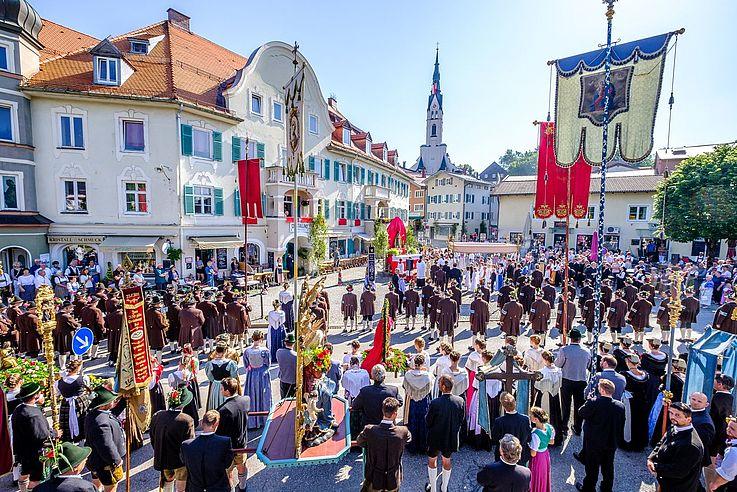 Fronleichnamsprozession in Bad Tölz (2017)
