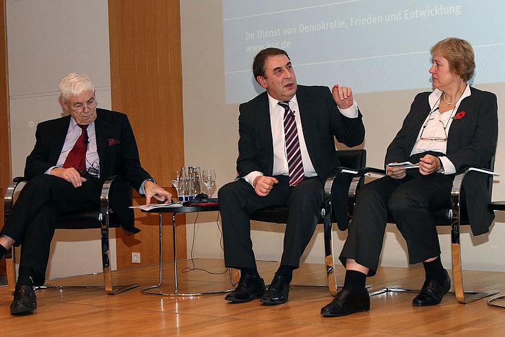 Michael Stürmer, Andrej Netschajew, Beatrice Heuser