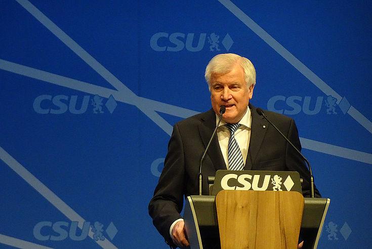 Wenn der Ministerpräsident zurücktritt, gilt das automatisch für die gesamte bayerische Staatsregierung.