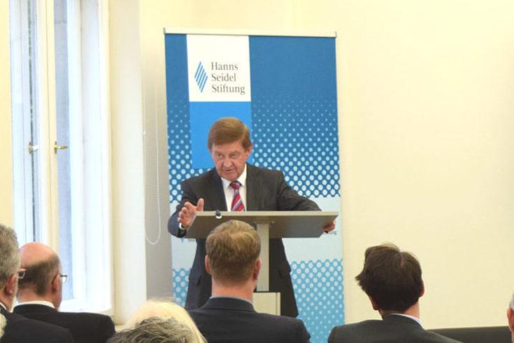 Dr. Otto Wiesheu: Digitalisierung 4.0, Infrastruktur und Datenschutz gehören zu den ökonomischen Herausforderungen für Deutschland.