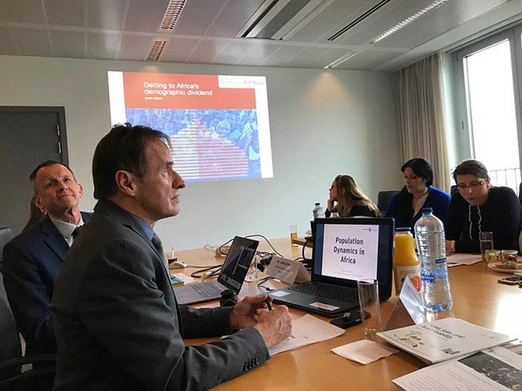Vortrag während einer Präsentation in einem Konferenzraum