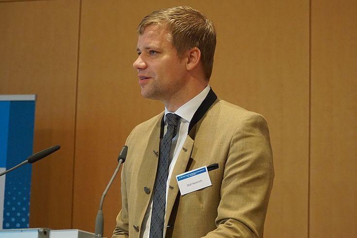 """Bürgermeister Olaf Heinrich schrieb seine Promotion über die """"Profilierung einer Stadt im Ländlichen Raum"""""""