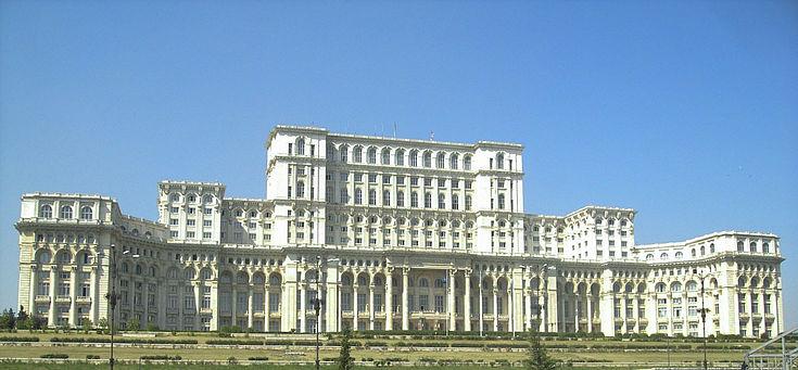 Der rumänische Parlamentspalast in der Hauptstadt Bukarest