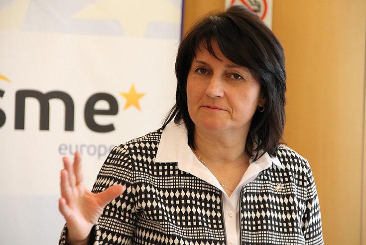 """Šojdrová: """"Für eine erfolgreiche Wirtschaftskooperation brauchen wir bayerisch-tschechische Bildungsprojekte""""."""