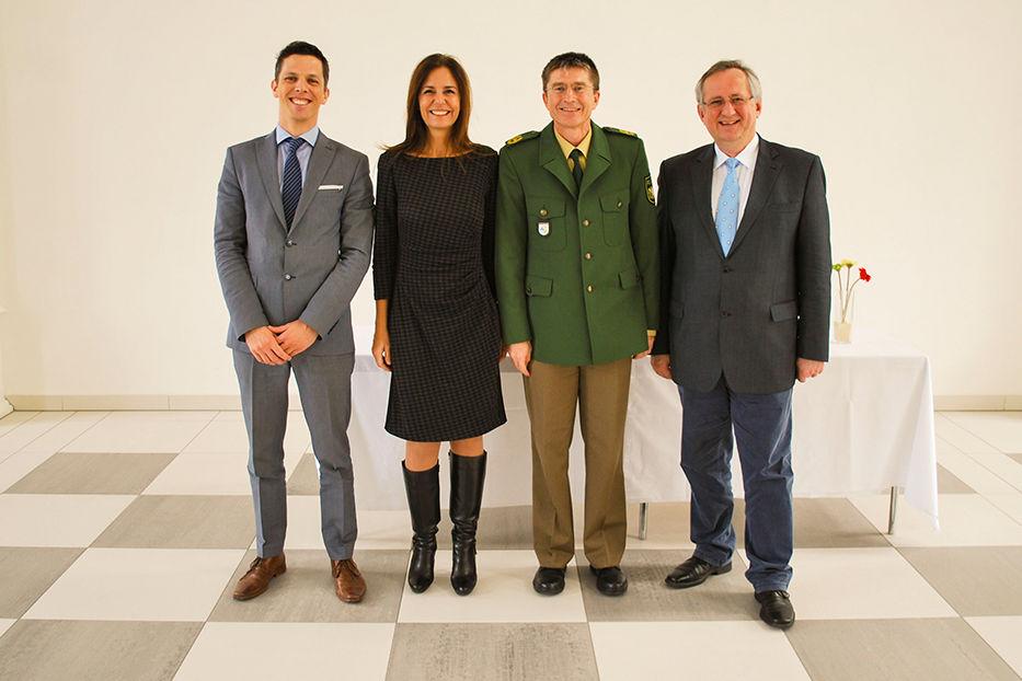 Informationsaustausch mit Dr. José Raúl Béguelin, Dr. Marcela De Langhe, Ingbert Hoffmann von der Hochschule für den öffentlichen Dienst in Bayern und Prof. Dr. Klaus G. Binder
