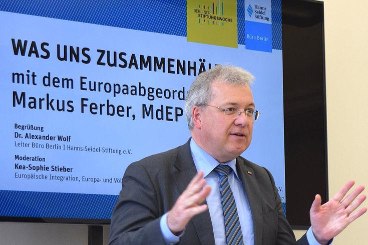 """""""Verhandeln und Kompromiss sind Kern demokratischer Politikgestaltung"""" (Markus Ferber)"""