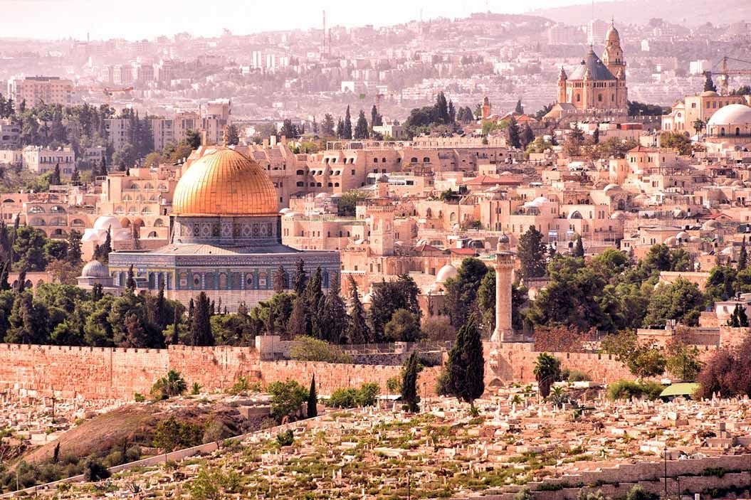 Die Altstadt von Jerusalem mit der Kuppel des al-Aqsa Moschee