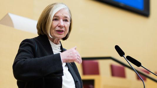 Die Vorsitzende der Hanns-Seidel-Stiftung, Ursula Männle, eröffnet die Internationalen Münchner Föderalismustage