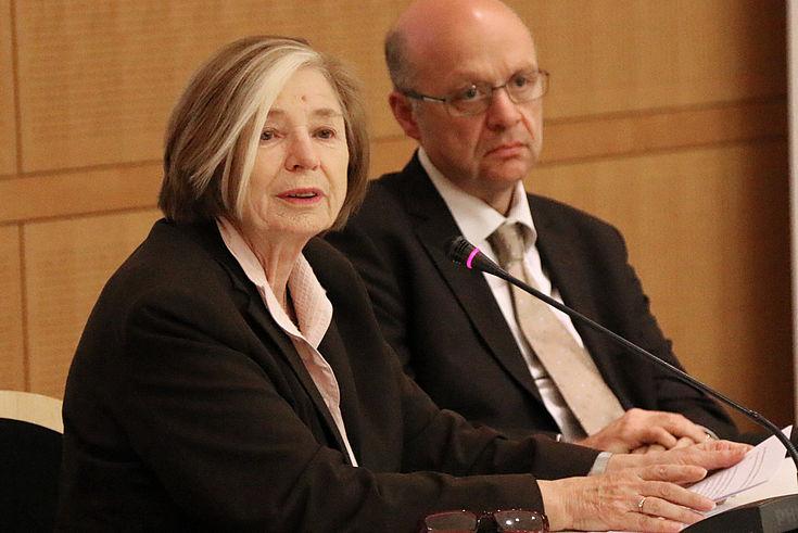 Ursula Männle zeigte sich äußerst besorgt über die Entwicklung.