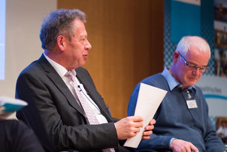 Wie Föderalismus innerhalb der Entwicklungszusammenarbeit gelingen kann, stellte Roland Sturm vor