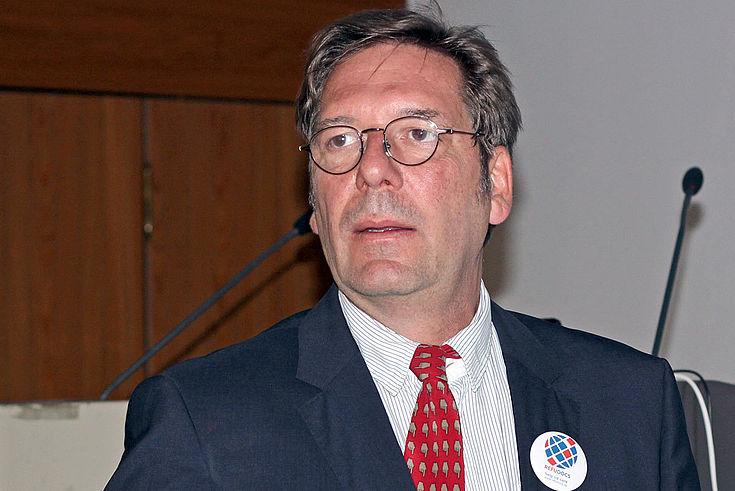 """Dr. Mathias Wendeborn, Gründer des Vereins """"Refudocs"""""""