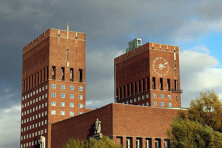 Ansicht des Rathauses in Oslo, der Hauptstadt von Norwegen.