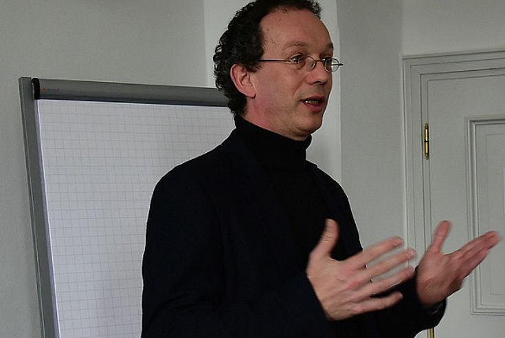 Dr. Helmut Groschwitz analysiert Wetterregeln.