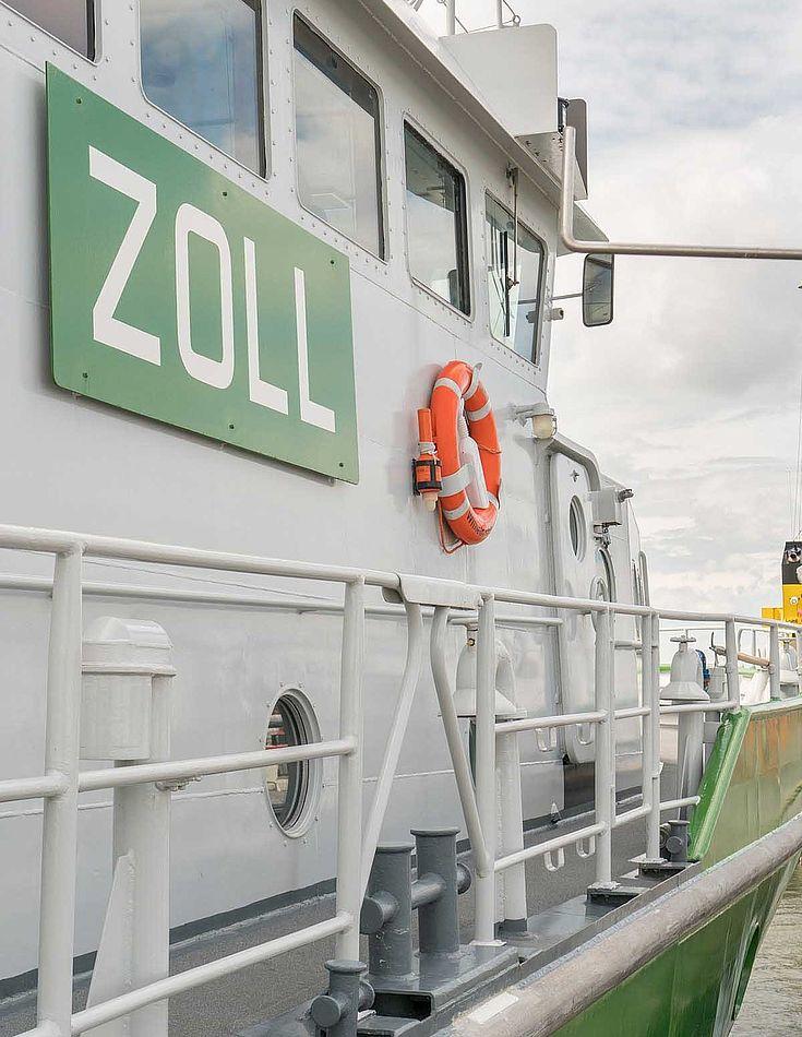 Ein Boot des deutschen Zolls
