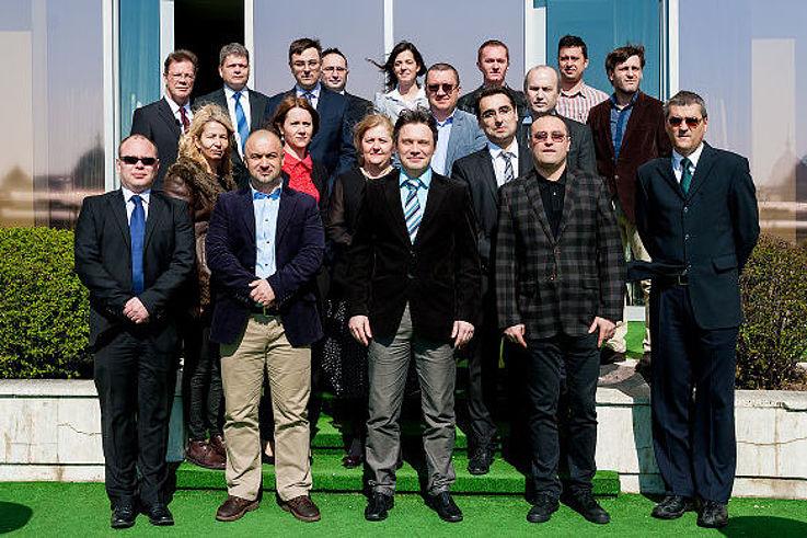 Gruppenfoto der Seminarteilnehmer im Freien