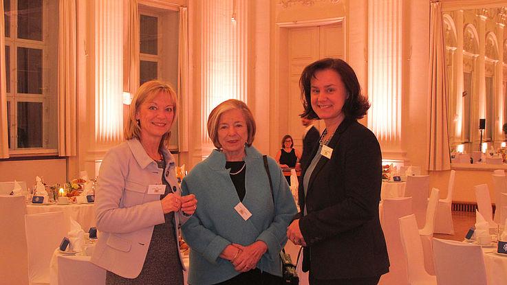 Carolina Trautner, MdL, HSS-Vorsitzende Ursula Männle und Ute Eiling-Hütig, MdL