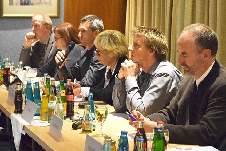 Gallwitz, Cissek-Evans, Nesslinger, Halbhuber-Gassner (Moderation), Gerheim, Renzikowski (v.l.)