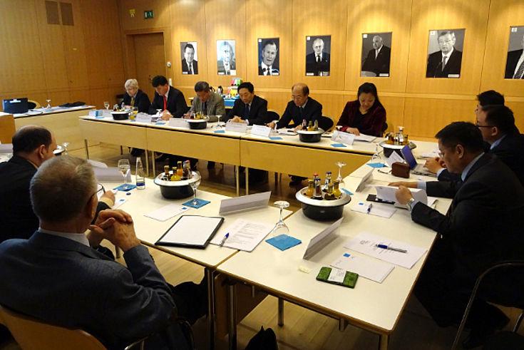 """Akademischer Dialog in der HSS zum Thema """"Politische Willensbildung, Interessenvertretung und Interessensausgleich auf der kommunalen Ebene"""""""