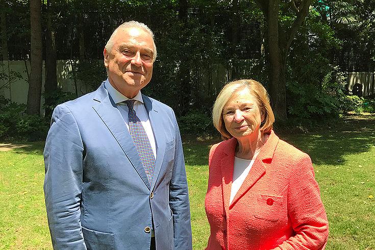 Ursula Männle in Shanghai beim deutschen Generalkonsul Peter Rothen