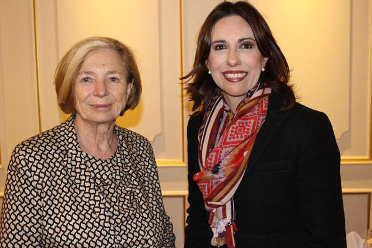 Ursula Männle mit Alejandra Bravo