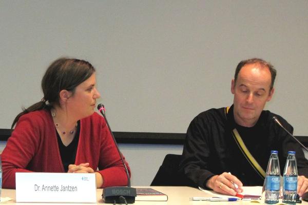 Annette Jantzen und Moderator Christoph Dicke