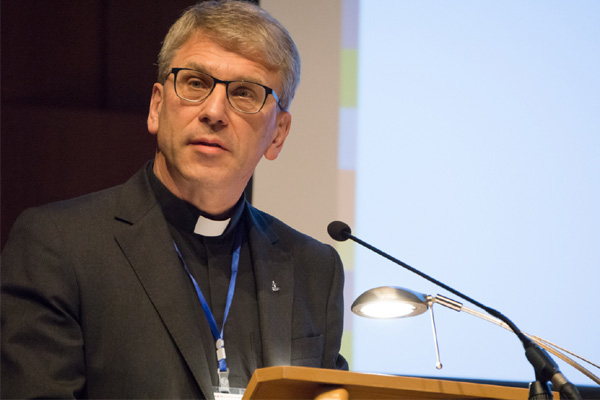 Olav Fykse Tveit repräsentierte in Tirana den Ökumenischen Rat der Kirchen.