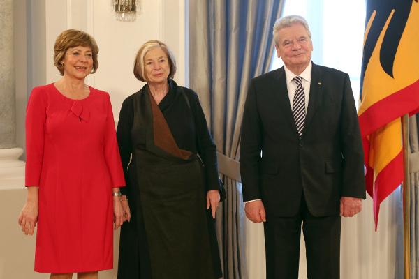 Ursula Männle (M.) mit Bundespräsident Joachim Gauck und Lebensgefährtin Daniela Schadt