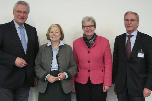 Minister Joachim Hermann, Ursula Männle, Stefanie von Winning und Franz Guber